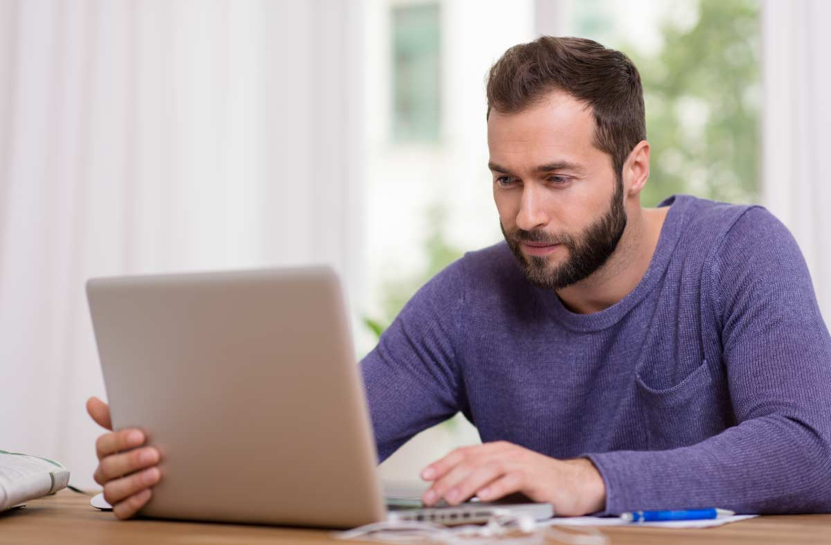 Online student does course work at home